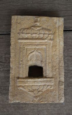 jaisalmer sandstone shrine niche